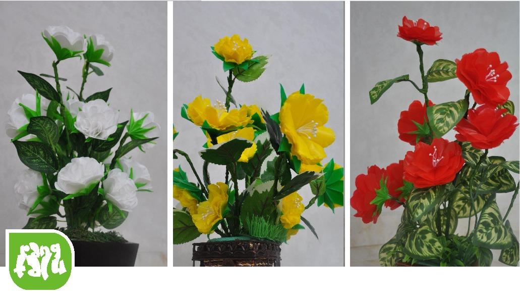 ... bunga plastik atau lebih tepatnya bunga kantong plastik sepertinya ibu